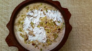 Easy No-fuss Crockpot PHIRNI